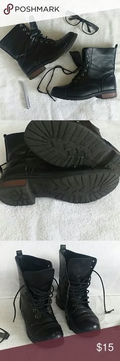 """Black Rouge Boots! Size 7, Rouge, Shoelaces are beat up *but can be replaced😁*, Some minor scuffs and scratches, Stacked 1"""" heel,  Vintage look😏🤗! Rouge Shoes Combat & Moto Boots"""