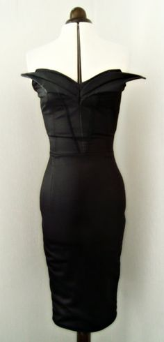 Gorgeous winged top sweetheart wiggle dress