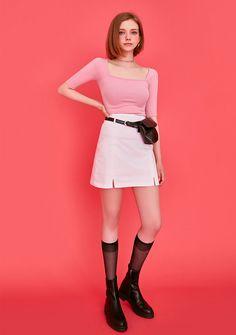 Tween Fashion, Trendy Fashion, Korean Fashion, Girl Fashion, Prity Girl, Fashion Model Poses, Pose Reference Photo, Human Poses, Figure Poses