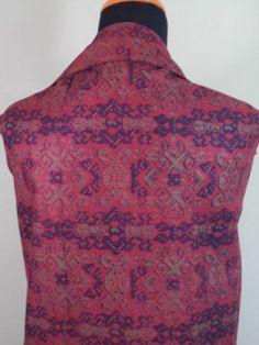 Kain Batik Motif Merah Tua Ungu Batik Cap tradisional handmade, bahan katun, ukuran: 1,15 x 2m