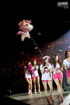 Girls' Generation - Tour Concert in Japan