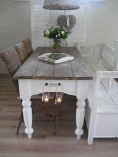 Find out how you can construct a table for your kitchen or dining room. The strategies utilize harsh building lumber to make this affordable DIY dining table as well as bench collection. Shabby Chic Kitchen, Shabby Chic Homes, Shabby Chic Dining, Rustic Kitchen, Farmhouse Table Plans, Farmhouse Decor, Vibeke Design, Dining Room Table, Table Bench
