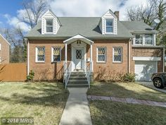 Move right in to this fully renovated home in Belvedere Square. Refinished hardwood floors through out the entire home. Brand new kitchen with granite counter tops and glass back splash. Custom built in shelves in living room. 3 bedrooms and 3 fully updated bathrooms. Bonus sitting room off of upstairs bedroom.