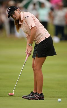 Paula Creamer-I wish I could find these shoes!