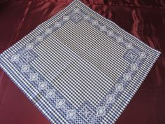 88331364_o Chicken Scratch Patterns, Chicken Scratch Embroidery, Gingham, Picnic Blanket, Needlework, Projects To Try, Cross Stitch, Crafts, Tablecloth Ideas