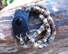 delicia de labradorita. triple hilo piedra por sweetassjewelry