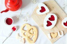 Un message d'amour avec ces Love lunettes à la confiture de fraises et de framboises. La recette est par ici ! http://www.royalchill.com/2016/01/29/love-lunettes-a-la-confiture-de-fraises-et-de-framboises/ #food #photography #love