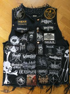rasmuskvist's Ahab, Encoffination, Black Mass Of Absu, doom. Punk Outfits, Mode Outfits, Grunge Outfits, Punk Patches, Diy Patches, Patch Pants, Heavy Metal Fashion, Crust Punk, Punk Jackets