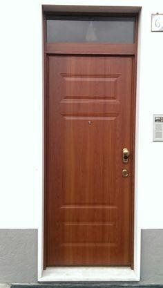 Porte Blindate per la Sicurezza | Non Solo Serramenti Armoire, Tall Cabinet Storage, Furniture, Home Decor, Chop Saw, Houses, Clothes Stand, Decoration Home, Closet