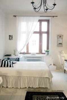 Studio apartment in Helsinki, Finland: http://divaaniblogit.fi/charandthecity/2014/02/17/ullanlinna-yksio/