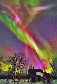 Aurora Borealis - Northern Lights http://terracoronata.tumblr.com/post/33702955021/sweetpsychedelia-aurora-borealis                                                                                                                                                      More