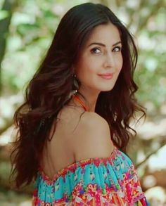 Katrina 💕 my luv 💋💋 Indian Celebrities, Bollywood Celebrities, Beautiful Bollywood Actress, Beautiful Actresses, Frocks And Gowns, Katrina Kaif Photo, Leighton Meester, Young Female, Bollywood Stars