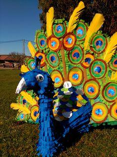 Peacok piñata