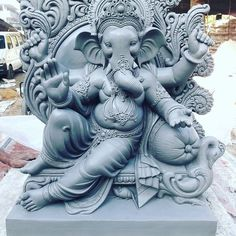 Make this Ganesha Chathurthi 2020 special with rituals and ceremonies. Lord Ganesha is a powerful god that removes Hurdles, grants Wealth, Knowledge & Wisdom. Clay Ganesha, Ganesha Art, Om Ganesh, Ganesha Drawing, Lord Ganesha Paintings, Ganesha Pictures, Ganesh Images, Saraswati Goddess, Durga