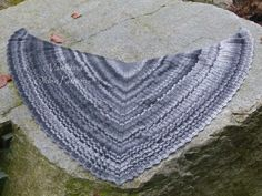 My version of the fantastic Seraphina's Shawl. Free pattern can be found here: http://www.ravelry.com/patterns/library/seraphinas-shawl   #crochet #shawl #OldenPatterns