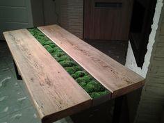 Stół z mchem stabilizowanym - Łukasz Zielinski Everlasting FLOWERS