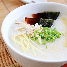 one of my fave comfort foods... Century Egg Porridge 皮蛋鸡丝粥