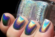 This holographic Chanel nail polish looks awesome. Get Nails, How To Do Nails, Hair And Nails, Chanel Nail Polish, Chanel Nails, Holographic Nail Polish, Holographic Print, Holographic Fashion, Cool Nail Designs