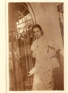 Amparo M.M. 1914-2009