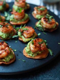 Hapjes voor Kerstmis: guacamolehapjes met scampi