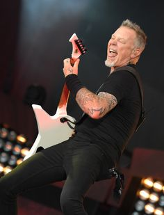 James Hetfield Photos Photos - James Hetfield of Metallica performs at the 2016 Global Citizen Festival in Central Park to end extreme poverty by 2030 at Central Park on September 24, 2016 in New York City. / AFP / ANGELA WEISS - Global Citizen Festival 2016