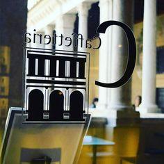 Avvisiamo tutti i visitatori che la Caffetteria Bistrot del Chiostro resterà chiusa da domenica 24/07 al 2/09 e riaprirà sabato 3 settembre.  La mostra seguirà invece il consueto orario fino al 4 settembre. #chiostrodelbramante