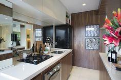 cozinha pequena com espelho