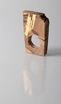 Wood Sculpture Ring - contemporary jewellery design // Noritamy