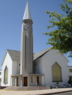 NG Kerk Ceres Church Architecture, Church Building, Mosques, Place Of Worship, Kirchen, South Africa, My House, Beautiful Homes, 1