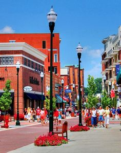 Branson Landing in Branson MO has everything you need in one place. Branson hotels, shopping, dining, entertainment, lake cruises and more! The Places Youll Go, Great Places, Places To Visit, Vacation Places, Vacation Spots, Vacation Ideas, Branson Landing, Branson Vacation, Kid Friendly Vacations
