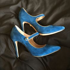 Pour La Victoire blue suede heels Blue suede Pour La Victoire 4 inch heels. Shoes list size 10 but fit more like a 9, which is why they're listed as 9. NWOT. No box. Pour la Victoire Shoes Heels