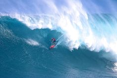 Maui's first monster swell of the season sets the scene for a big winter at Peahi. Photo: Dooma
