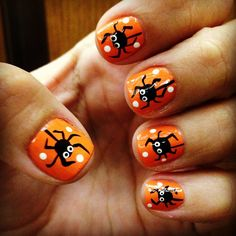 spooky halloween nails!