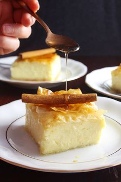 If you want this delicate custard wrapped up by layers of thin, crunchy phyllo bathed in delicious, succulent syrup, you should make this Greek custard pie. Greek Desserts, Greek Recipes, Just Desserts, Mexican Food Recipes, Italian Recipes, Turkish Recipes, Greek Meals, Greek Sweets, Amish Recipes