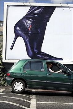 The pointy shoes always win: 50 Extraordinary and Attractive Billboards | 10Steps.SG