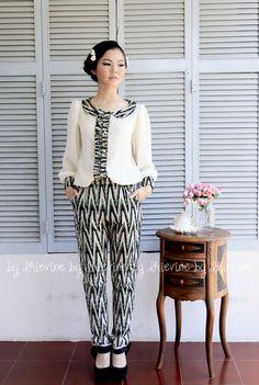 Ikat Suit | Gandawati Rang-rang Pant | DhieVine | Redefine You