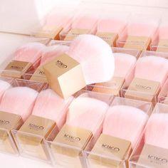 #pink #brush #kabuki #sweet #powerder #powderday