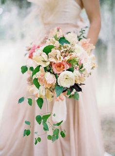 ふんわりピーチ色系のウェディングブーケ/Peach Wedding Bouquets - NAVER まとめ