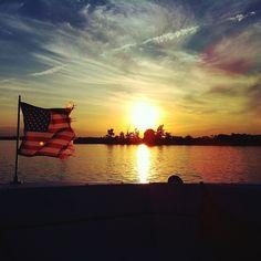 Yet another epic sunset #eidon #eidonsurf #water #imonaboat #sunset #sky #sun #boat #boating #flag #merica #fuckyeah #happy #happy4thofjuly #love #beautiful #livetravelsurf #instamood #instagood