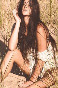 Gorgeous outdoor sepia shot with bohemian crocheted top. Boudoir Photography, Fashion Photography, Photography Ideas, Modeling Fotografie, Modeling Tips, Modeling Portfolio, Photoshoot Concept, Outdoor Shoot, Photoshoot Inspiration