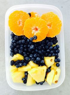 salada dee verao - ananas, mirtilo e laranja