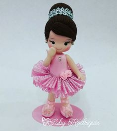 polymer clay cernit, masa flexible, cold porcelain, porcelana fria, biscuit Polymer Clay Dolls, Polymer Clay Projects, Polymer Clay Charms, Ballet Cakes, Ballerina Cakes, 3d Quilling, Clay Figurine, Fondant Figures, Foam Crafts