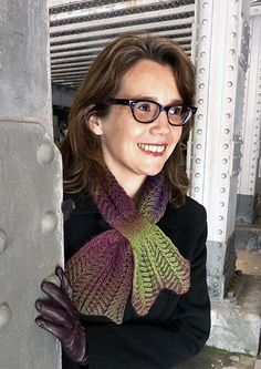 #Free #knitting #pattern for a trendy autumn scarf. I think ascot would be more accurate, nice colors though.