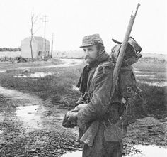 """Unshaven, unwashed, caked in mud, French soldiers earned a new nickname in the First World War: les """"poilus"""" or """"the hairy ones""""."""