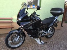 https://motocykle.bazos.sk/inzerat/62870978/HONDA-VARADERO-XL-1000-model-2011-v-top-stave.php #motorbikeshed