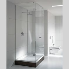 Best Bathroom Cabinets ideas that will help you save fixtures Bathtub Shower, Shower Floor, Bathroom Cabinets, Amazing Bathrooms, Interior Decorating, New Homes, Cleaning, Flooring, House