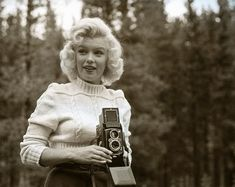 Unpublished Photos of Marilyn Monroe in Banff, Canada Banff Canada, Elvis Presley, Audrey Hepburn, Girls With Cameras, Look Magazine, Burt Reynolds, Marilyn Monroe Photos, Portraits, Norma Jeane