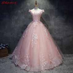 2018 rosa Spitze Quinceanera Kleider Ballkleid 15 Süße 16 Puffy Quinceanera Kleid Prom Kleider für 15 Jahre Source by de quinceañera Pretty Quinceanera Dresses, Cute Prom Dresses, Ball Dresses, Pretty Dresses, Beautiful Dresses, Pink Ball Gowns, Awesome Dresses, Pink Wedding Dresses, Dresses Dresses