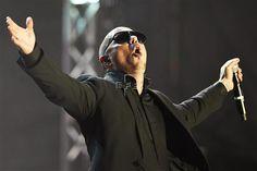 Un concurso en Facebook puede llevar al cantante Pitbull a Alaska  Madrid, 6 jul (EFEtec/Futuro).- Una cadena estadounidense de hipermercados ha convocado un concurso para distinguir a su establecimiento con más seguidores en Facebook y llevar allí al cantante Pitbull como premio, pero una broma en Internet trata que el centro de Kodiak, en Alaska, sea el que gane.