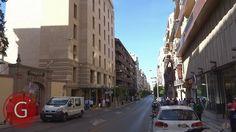 GRANADA | CENTRO | Calle Recogidas, frente a Rel. Capuchinas y H. Abades, de espaldas a Puerta Real.
